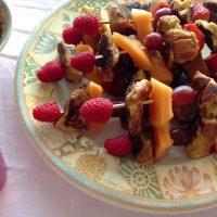 Spiesjes met fruit en wentelteefjes